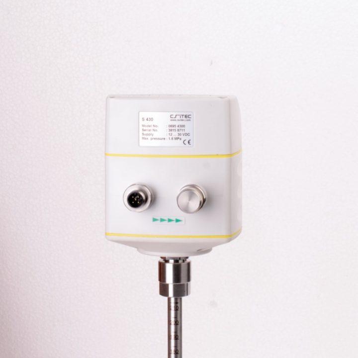 s430 áramlásmérő csatlakozók hátulról